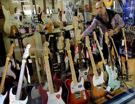 Las Tiendas De Musica Rebajan Sus Precios Por La Competencia Online
