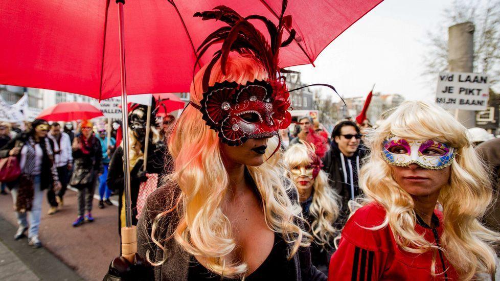 prostitutas barrio rojo amsterdam hombres prostitutas