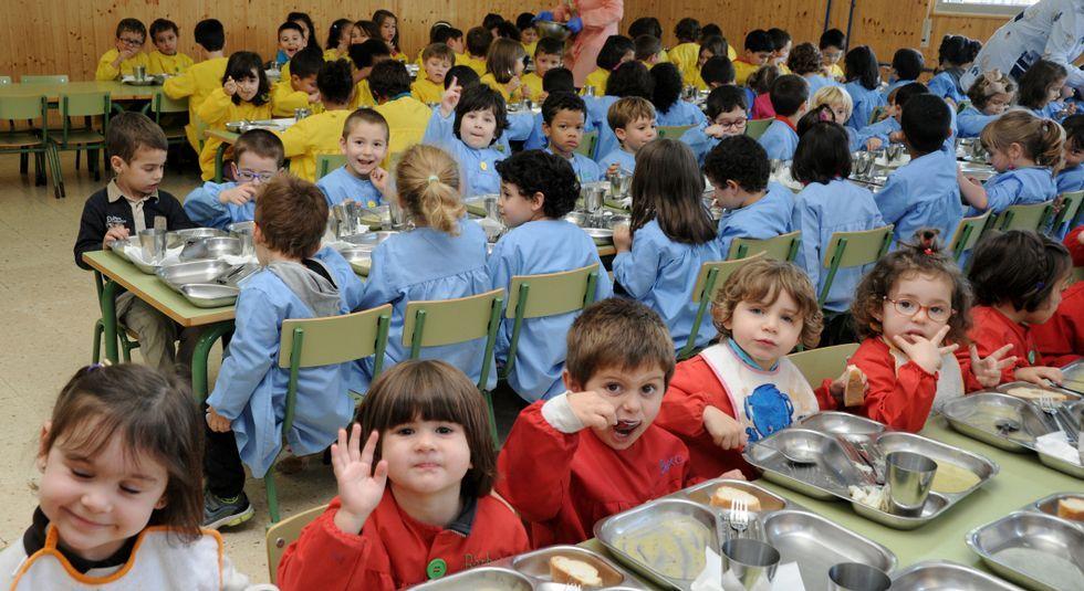 Los comedores escolares dan vida a distintos negocios mariñanos