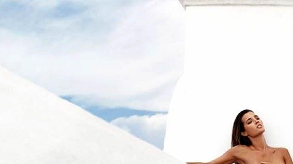 Malena Costa Al Desnudo Para Celebrar Sus 200000 Seguidores En