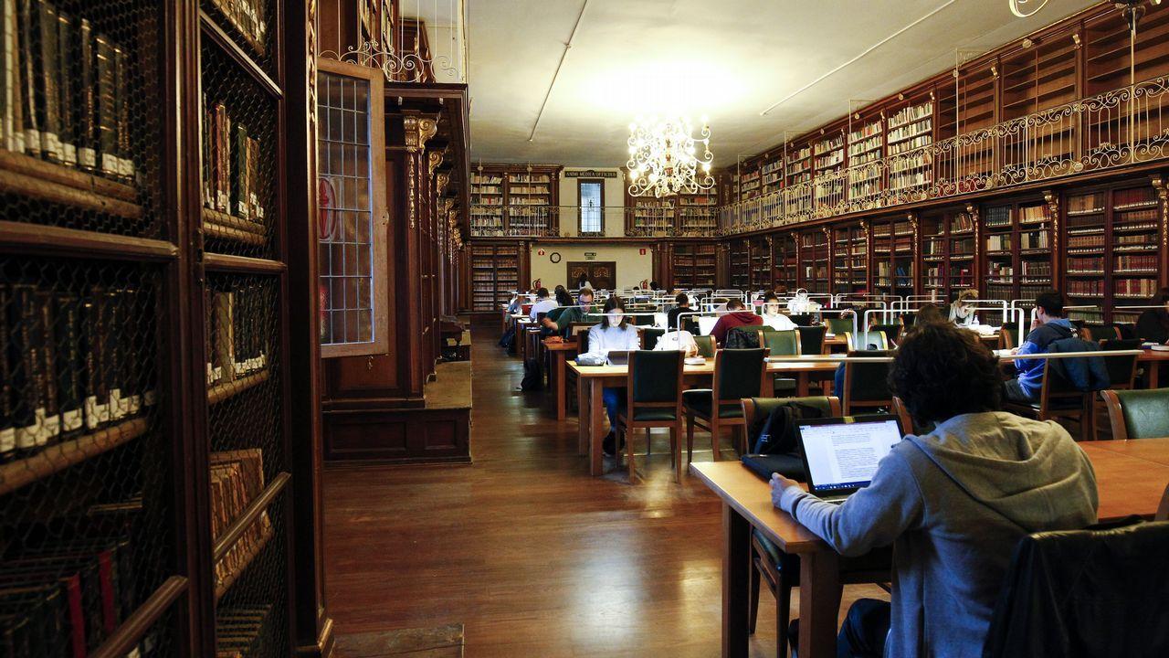 La Biblioteca De Historia De Santiago A La Busqueda De La