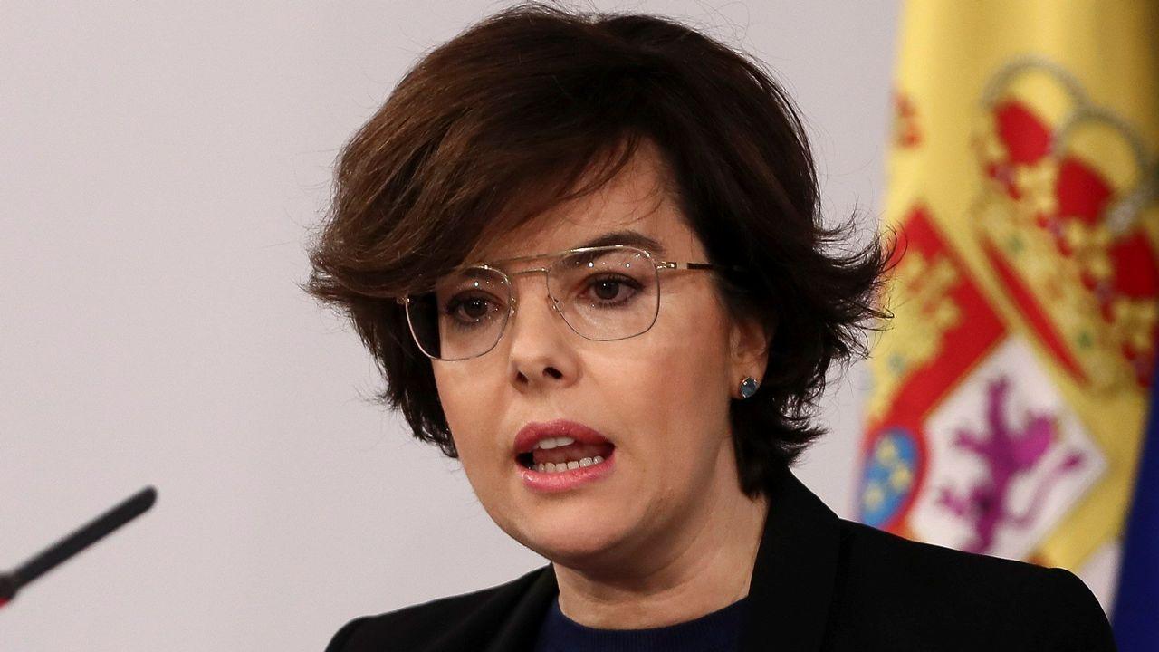 223666766b Ana Rosa Quintana desvela el motivo de las comentadas gafas de Soraya Sáenz  de Santamaría