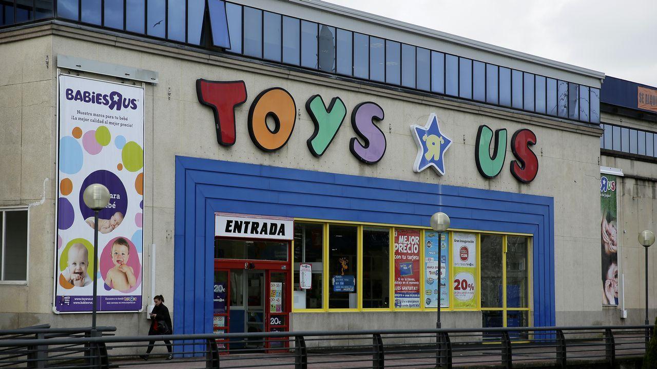 Los Venta En Una O Toys'r'us Galicia Tres Inquietud Cierre Temer Al WHDI9E2