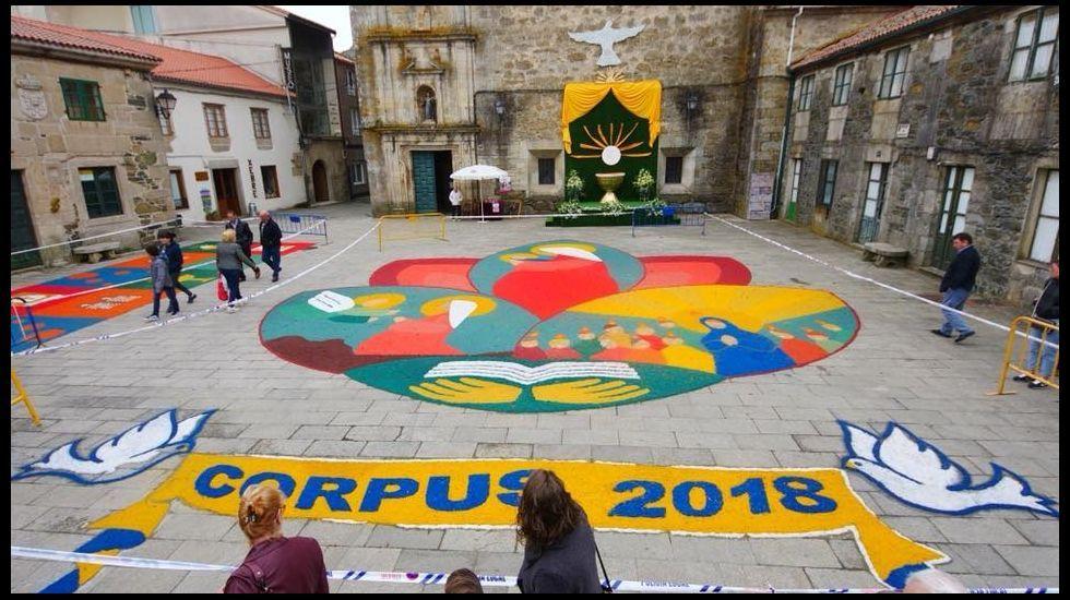 El Corpus Christi Llena De Alfombras Florales La Comarca De Santiago