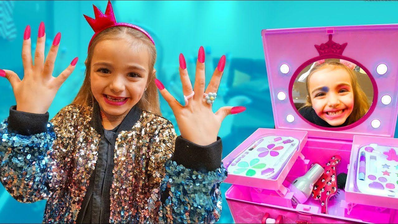 Reinas Del Maquillaje En Youtube Con Seis Años