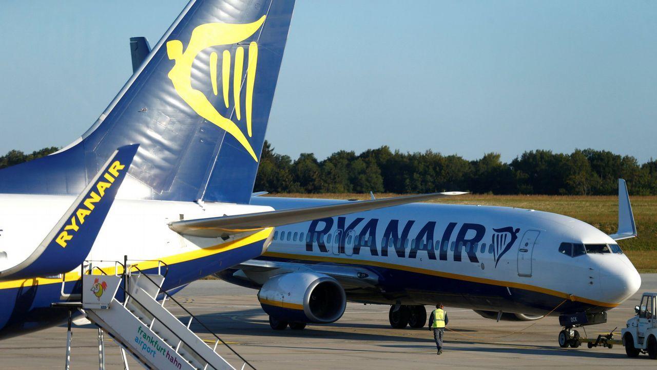 Ryanair certifica su marcha de Peinador al vender ya en Lavacolla ...