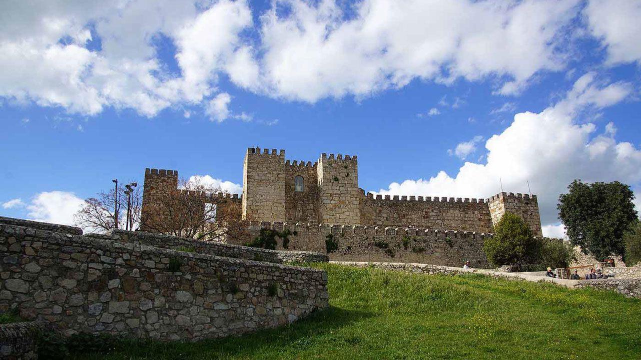 Los Castillos Mas Bonitos De Extremadura