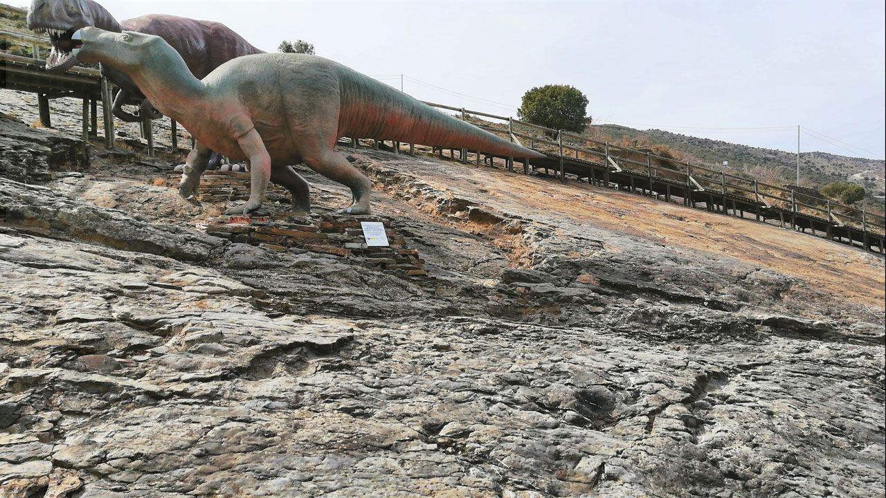 Seis Destinos Con Dinosaurios En Espana Para Ir Con Ninos Hace 75 millones de años, un dinosaurio hasta ahora desconocido habitaba un continente perdido llamado laramidia. seis destinos con dinosaurios en espana