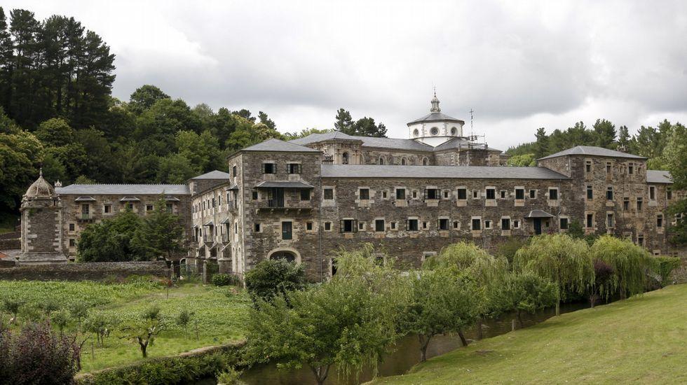 El monasterio de Samos recupera el pulso y recibe a nuevos monjes
