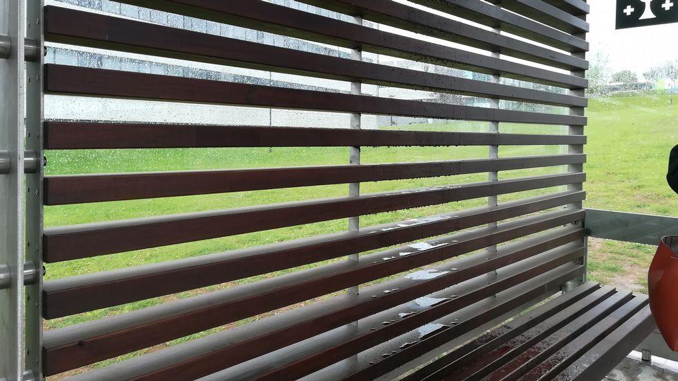 Llueve En La Marquesina Modelo Que La Xunta Instalará En
