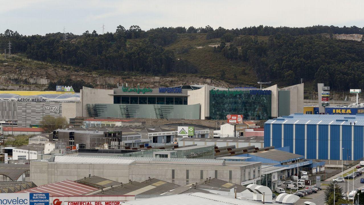 c6db49c413d El Corte Inglés sondea la venta de su centro coruñés de Marineda City