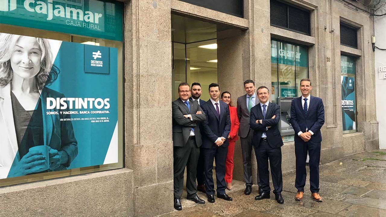 En Abre Oficina Nueva Compostela Cajamar Santiago De nvNm80w