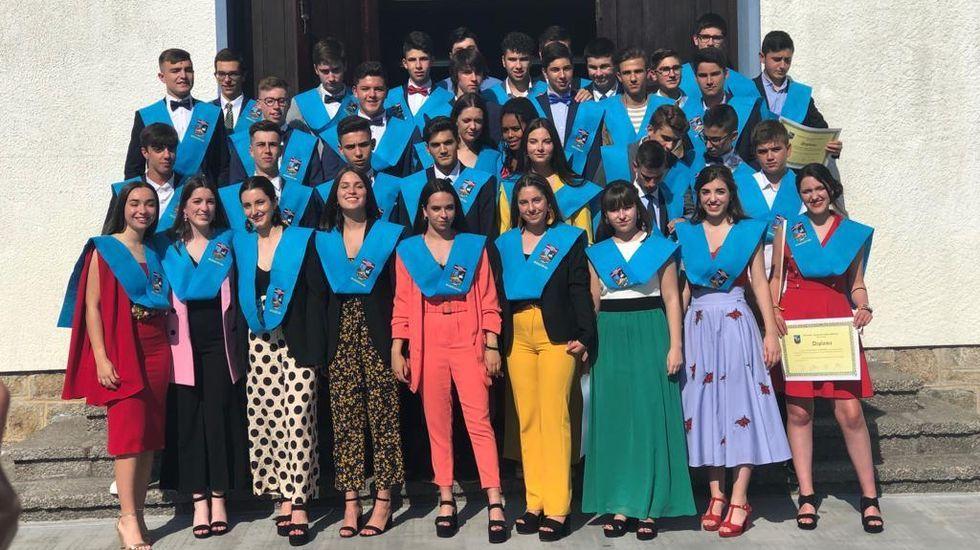 Graduación de cuarto de ESO en el colegio Manuela Rial de Cee