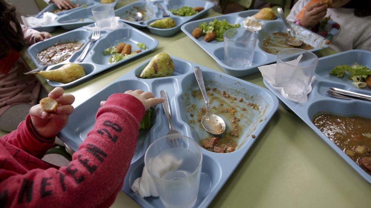 El curso empezará otra vez sin las becas de comedor aprobadas