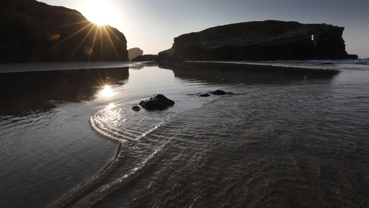 Turnos De Subida Y Bajada A La Playa De As Catedrais Para Asegurar La Distancia Social