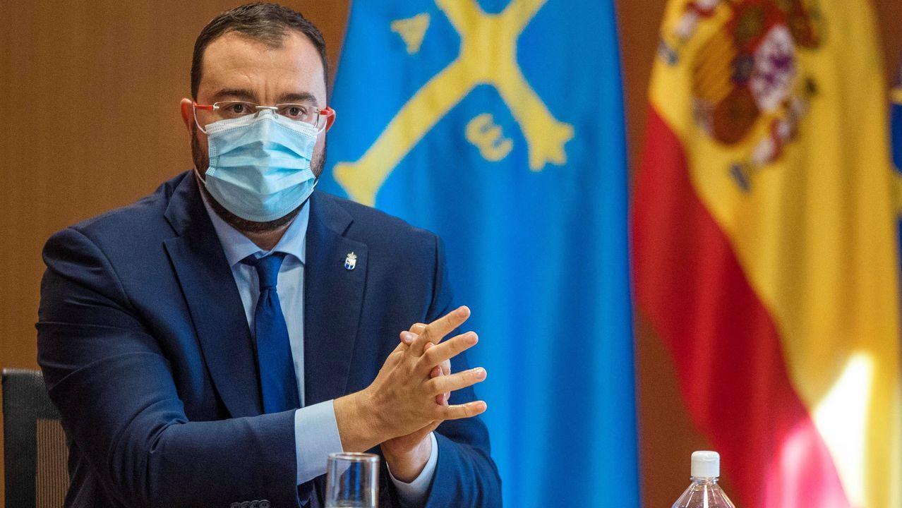 El presidente socialista asturiano Adrián Barbón se suma a las críticas por  el acuerdo del PSOE con EH Bildu