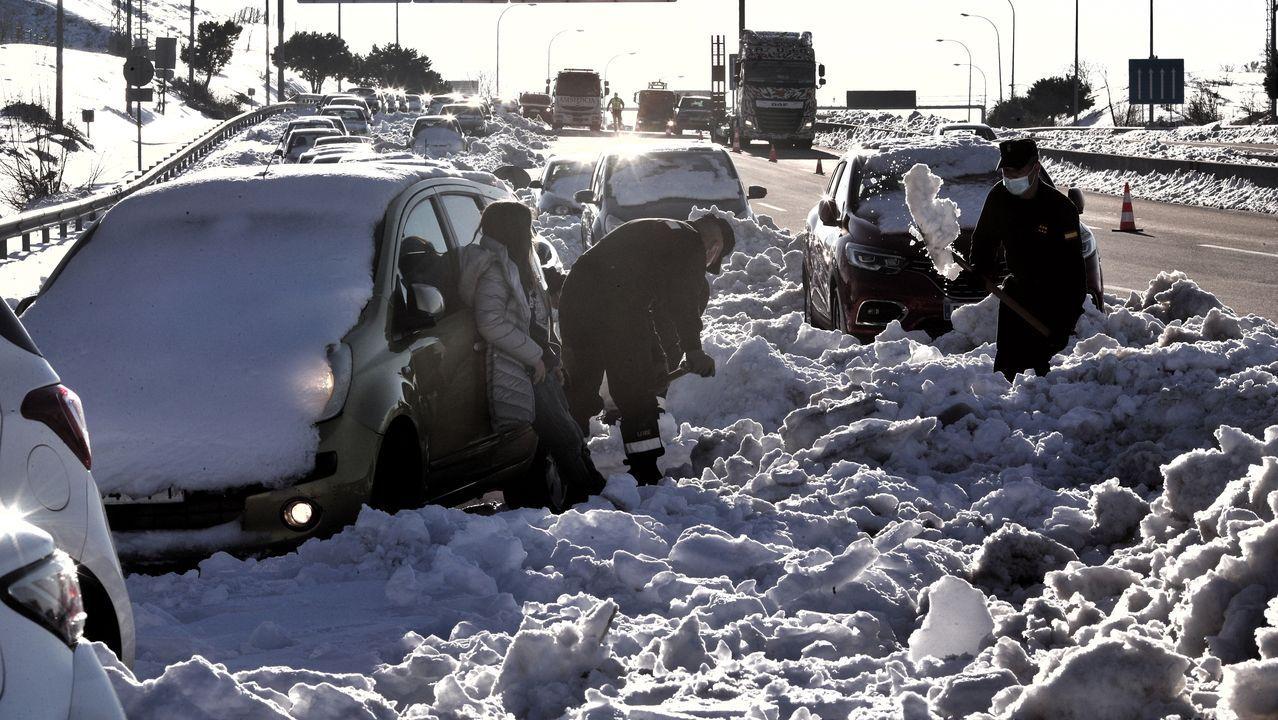España recobra el pulso en el primer día laborable desde la gran nevada