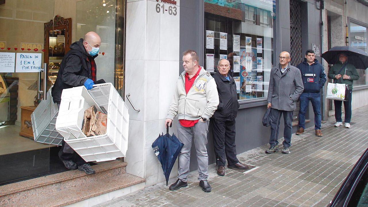 Pocos trabajadores en el Concello de Ferrol. Solo se atienden casos urgentes