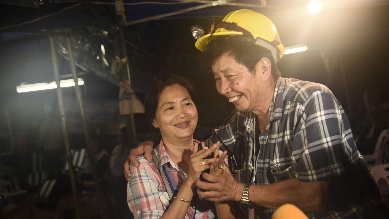 Las familias, felices tras recibir la noticia de que los menores estaban sanos y salvos
