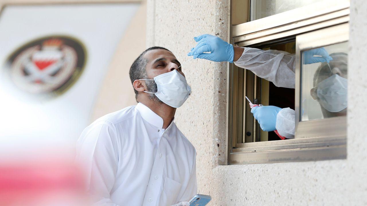 fiesta.El hospital La Paz de Madrid inició este martes los ensayos clínicos de la vacuna de Jansen