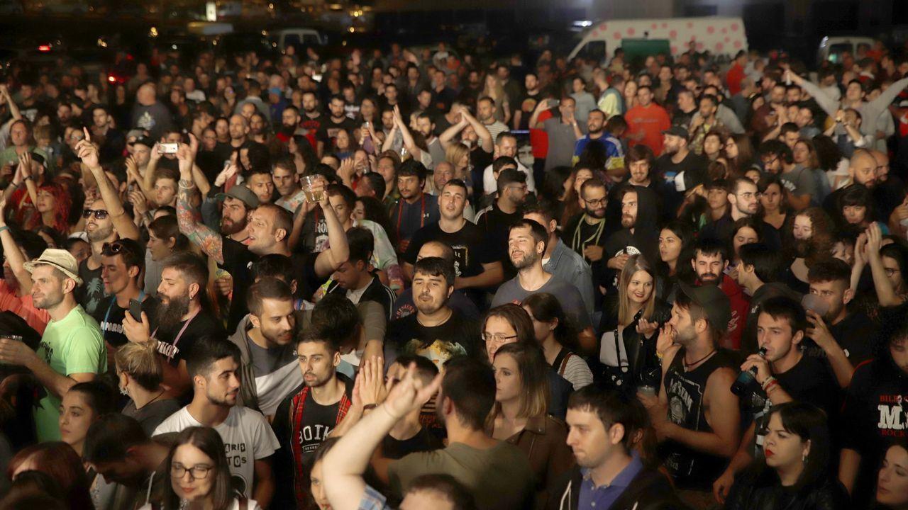 ¡Búscate en la cena de la Asociación contra el Cáncer de Porto do Son!