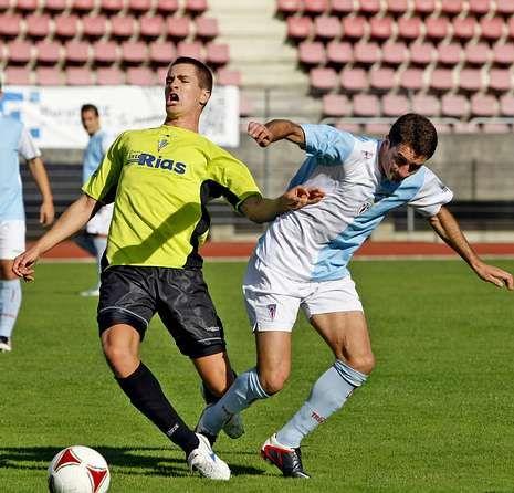 Mariño, ahora lesionado, en el partido ante el Vilalonga.