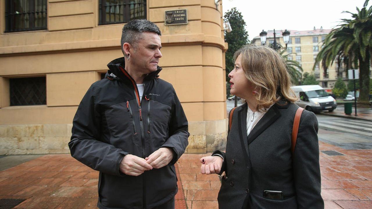 Rafael Palacios y Ana Taboda en la calle General Yagüe.