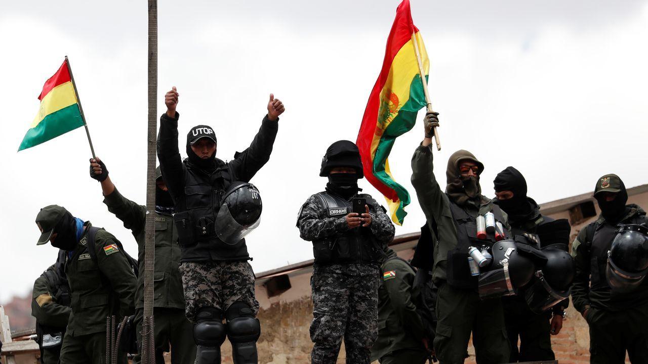 La sublevación de la Policía en gran parte de Bolivia desató este viernes la peor crisis en los más de trece años de Evo Morales en el poder
