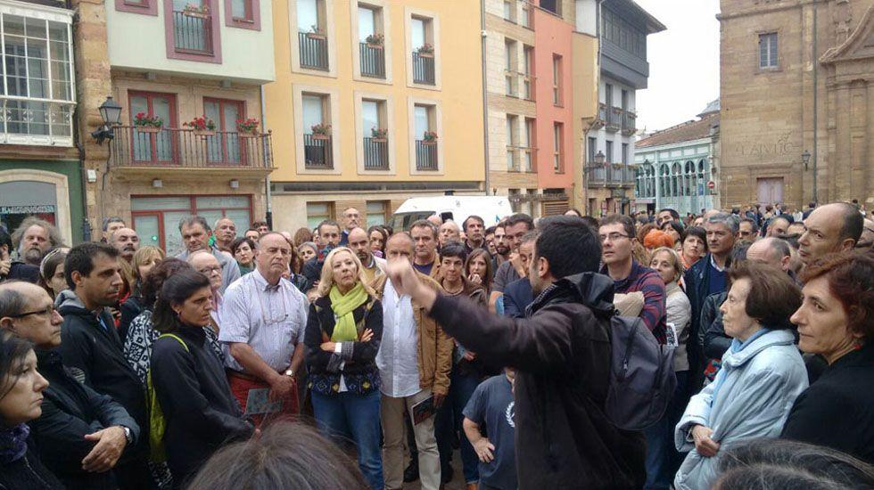 Asistentes a la  «Ruta Revolución de octubre 1934 en Oviedo»