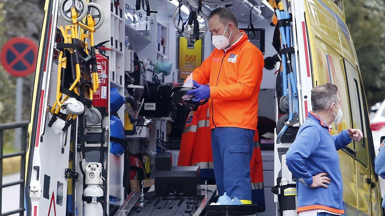Comparecencia del conselleiro de Sanidade tras el comité clínico.Servicio de emergencias del hospital de Pontevedra