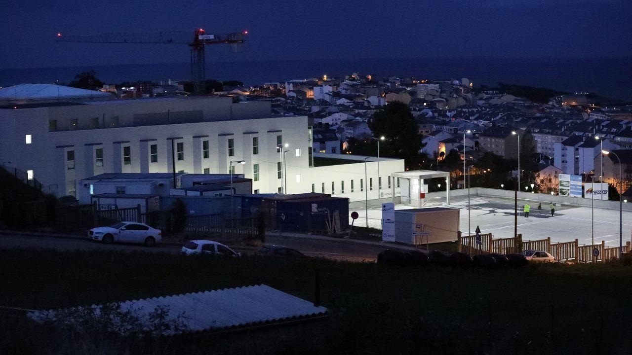 LA ALCALDESA DE LUGO CON LOS 15 NUEVOS AGENTES DE LA POLICÍA LOCAL DE LUGO