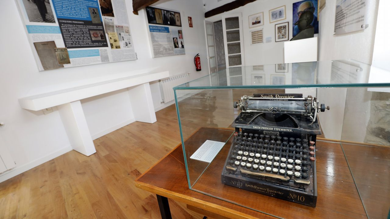 ana.La máquina de escribir de Cunqueiro preside una de las salas