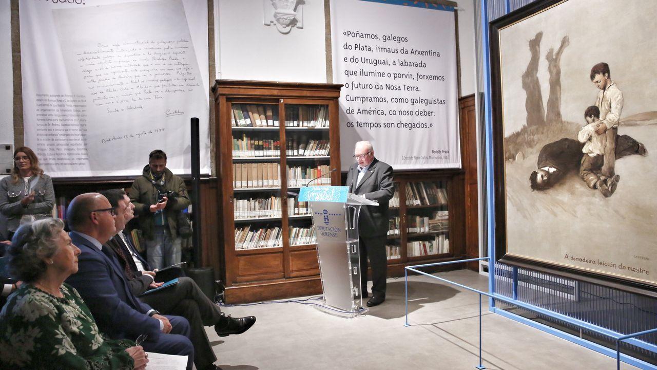 Francisco Serrano (Vox): «La brecha salarial es una gran mentira».La placa homenaje al poeta Alfonso Camín, junto a la fuente de El Angelín