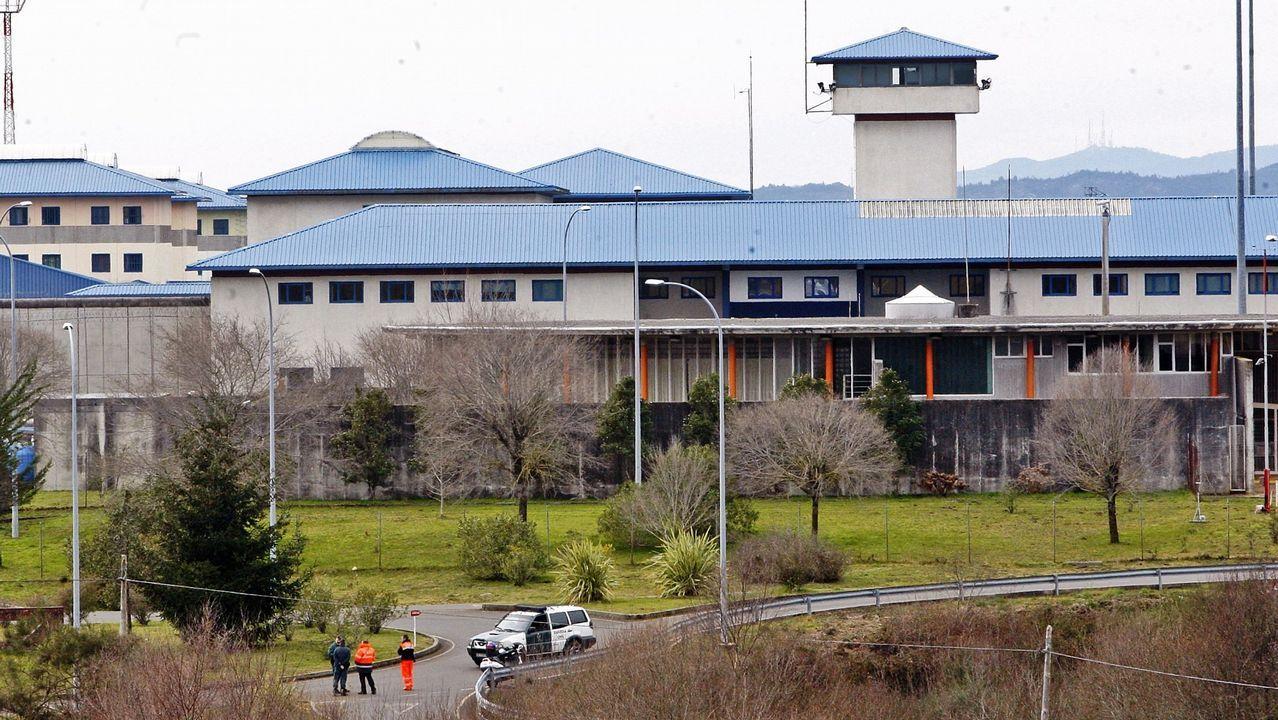 Manifestación de los funcionarios de prisiones a las puertas de Teixeiro