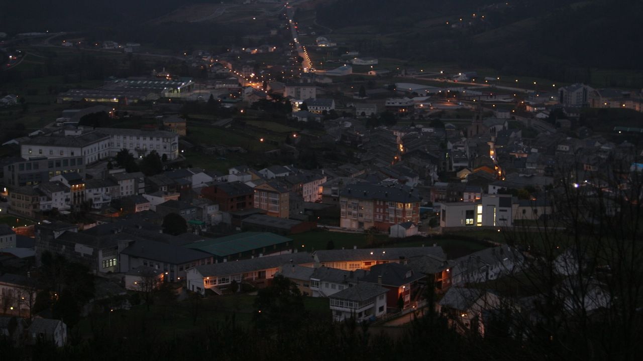 Vista nocturna de Mondoñedo