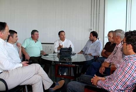 Alcaldes de la zona y Conca do Lérez se reunieron en Lalín para estudiar presentar un proyecto conjunto.