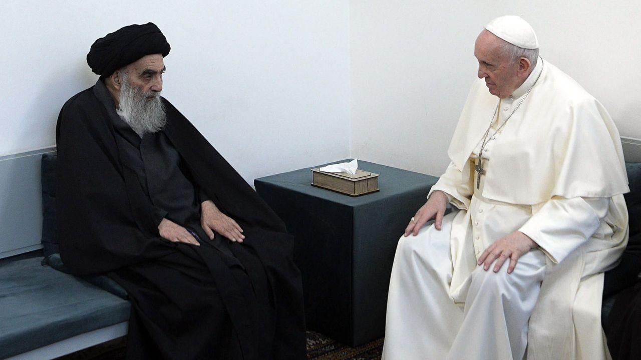 El papa Francisco se reunió a puerta cerrada con el ayatolá Al Sistani, en un gesto histórico para acercar el islam y el Vaticano.