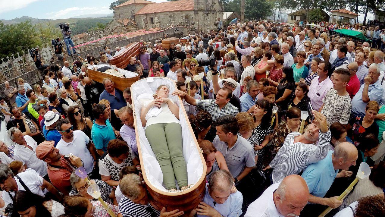 Los habitantes de la localidad agradecen a Santa Marta su intercesión con este ancestral rito