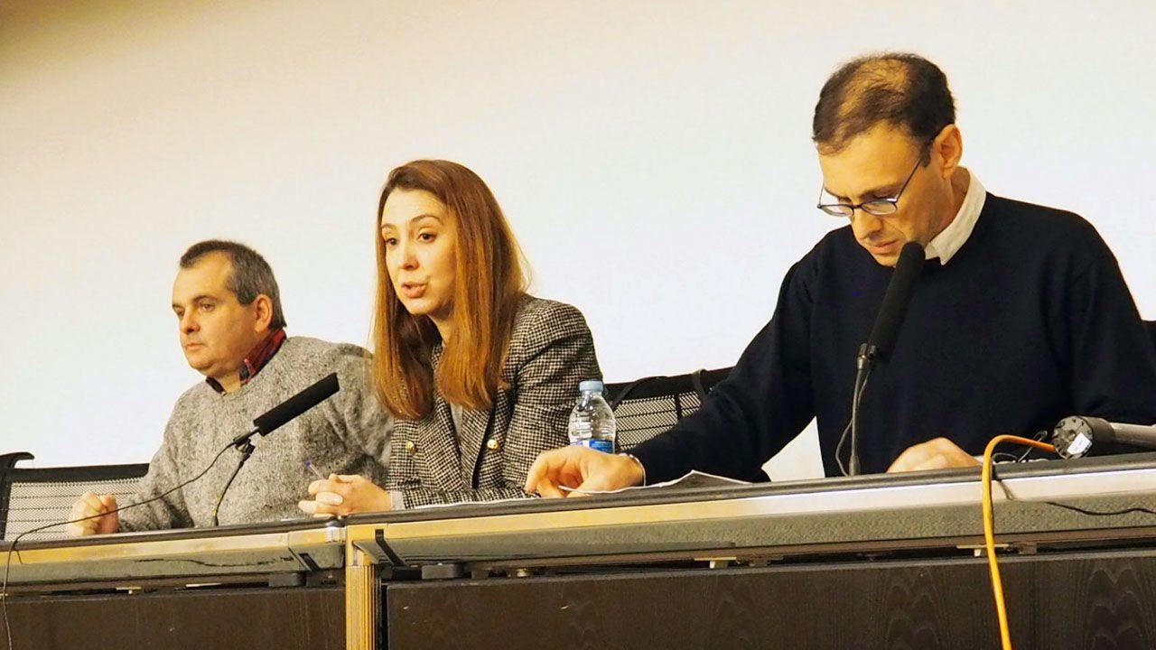 La directora general de Universidad, Cristina González, en el centro de la imagen