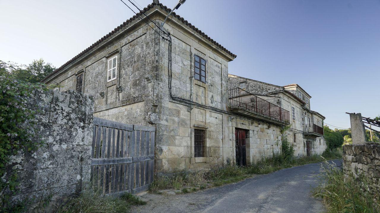 Polos miradoiros da provincia de Ourense.O pazo carballiñés de Banga, done pasou tempadas, era para Emilia Pardo Bazán «o balcón do Ribeiro»