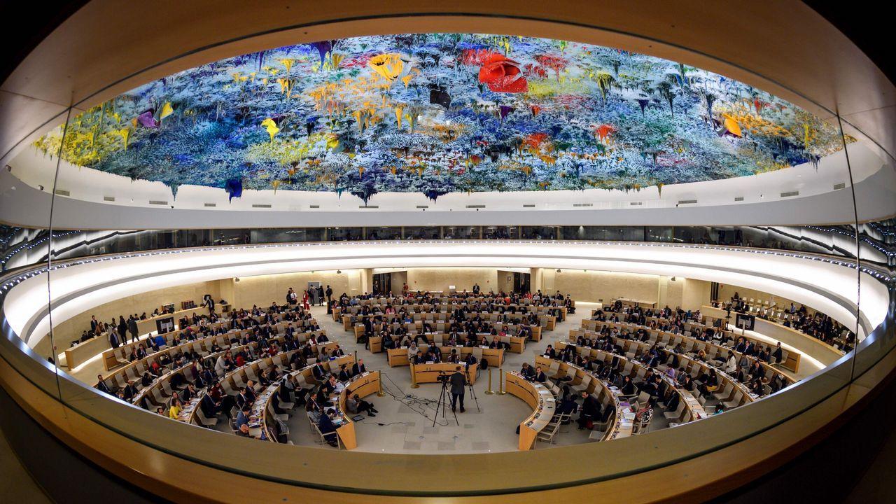 EN DIRECTO:Juan Guaidóaparece en públicotras su autoproclamación como presidente.Vista General del consejo de la ONU durante la comisión  sobre Siria