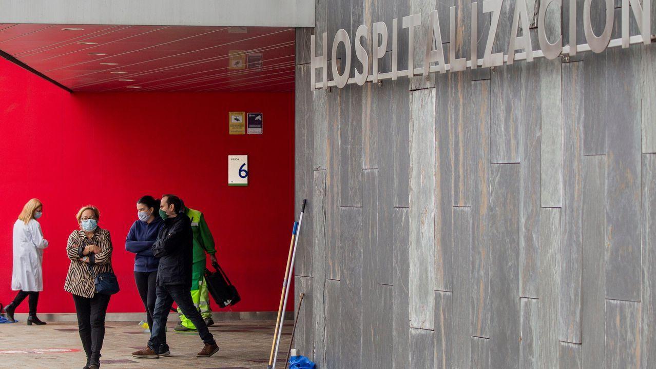 Entrada de hospitalización del Hospital Universitario Central de Asturias (HUCA).