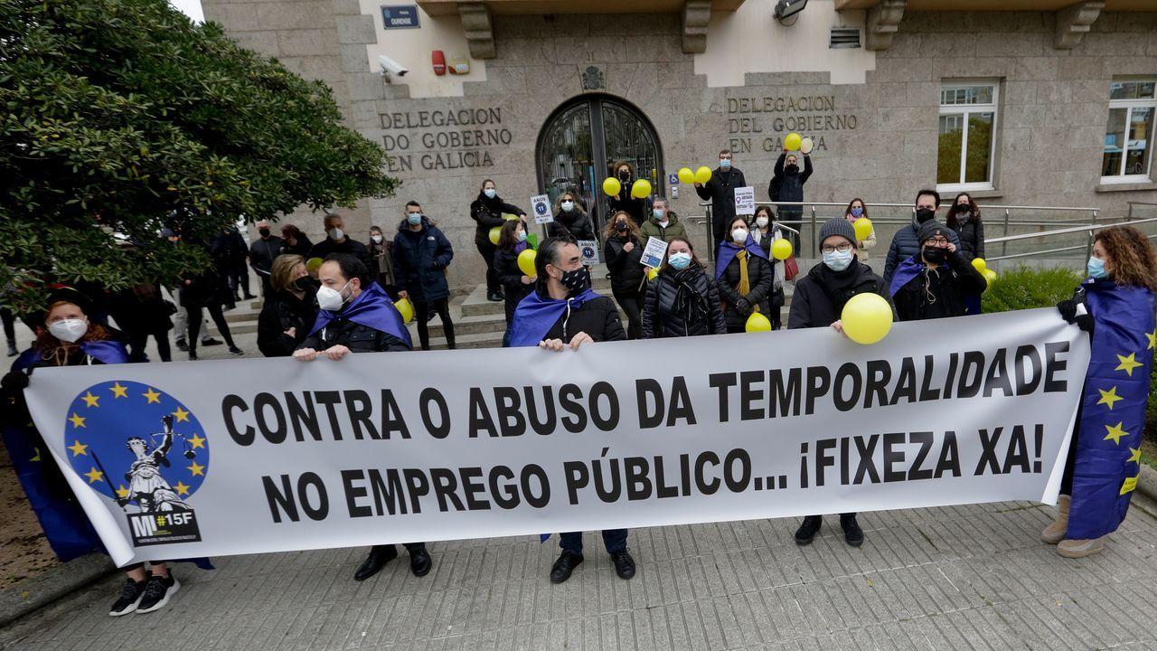 En directo, Feijoo tras el Consello de la Xunta.Trabajadores temporales de la Administración, en una protesta ayer ante la Delegación del Gobierno de Galicia, en A Coruña, denunciando la precariedad