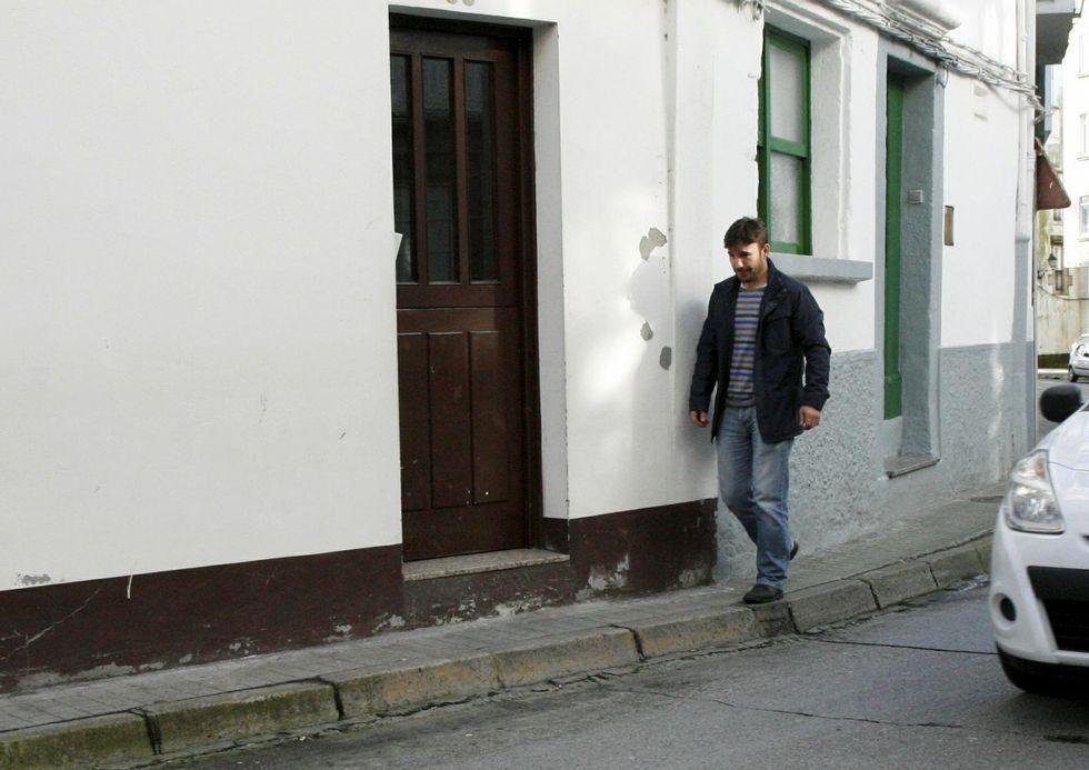 <span lang= es-es >La acera urbana más estrecha.</span> La calle Ribeira de Betanzos cuenta con uno de los accesos más angostos.