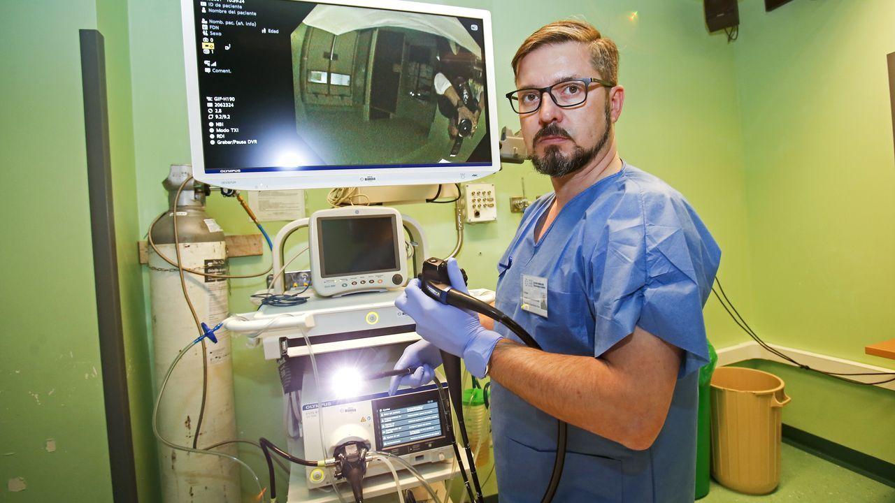 Enrique González de la Ballina, digestólogo del Chop, subraya la importancia de participar en el programa de cribado de cáncer de colon