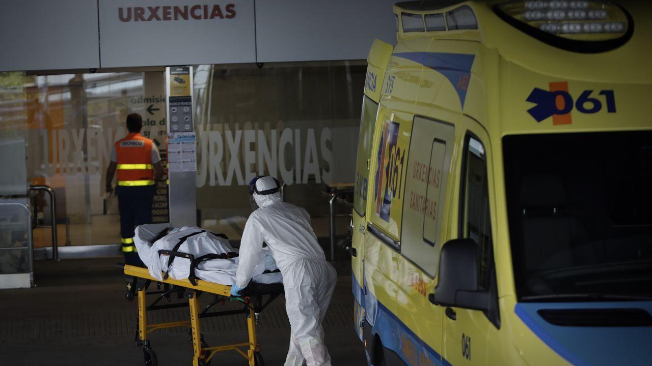 Salvador Illarecomienda cerrar la ciudad de Madrid.Entrada del servicio de Urgencias del Chuac