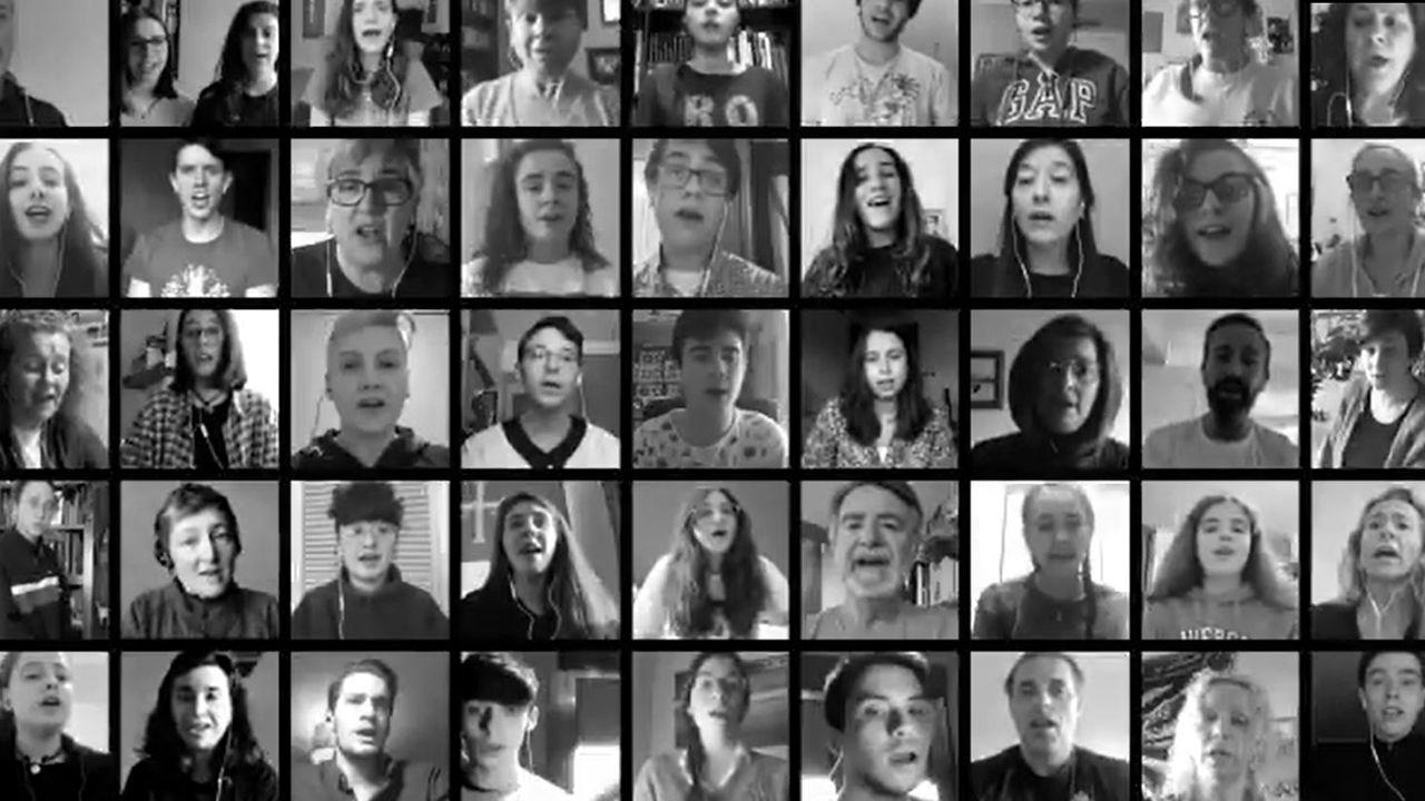 Mensaje de agradecimiento de las infantas Leonor y Sofía.Miembros del Coro Joven de la Fundación Princesa de Asturias