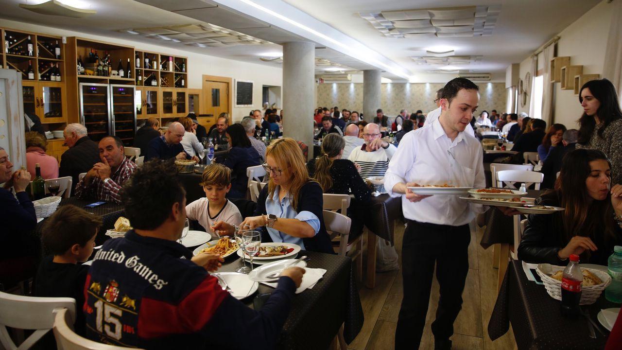 La Festa da Filloa reedita el éxito.Tras el imbatible McDonald's, el restaurante con más facturación es O Remo, en Poio