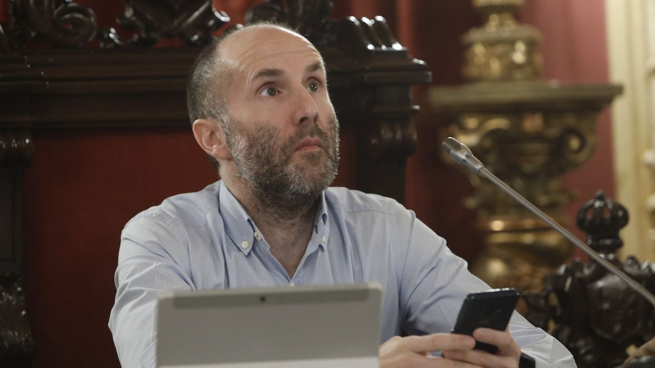 Búscate en el multitudinario pelotón de la San Martiño.Gonzalo Pérez Jácome, alcalde de Ourense