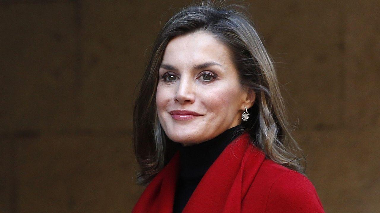 El rojo, uno de los colores fetiche de la reina Letizia Ortiz